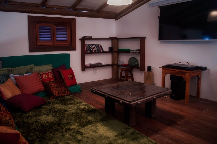 Casa Esmeralda Mezzanine TV